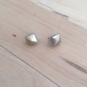 Like new Stella & Dot stud earrings